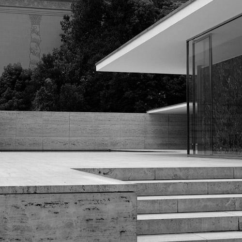 barcelona pavilion ludwig mies van der rohe. Black Bedroom Furniture Sets. Home Design Ideas