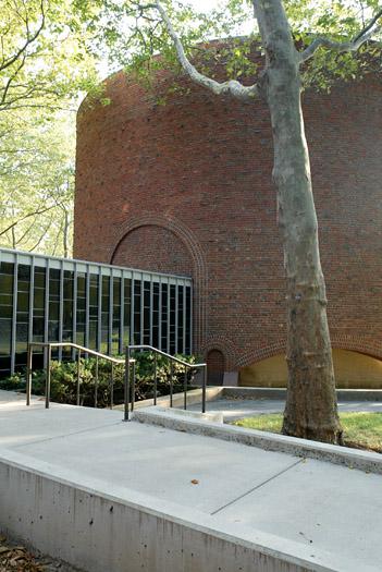 MIT Chapel - Eero Saarinen
