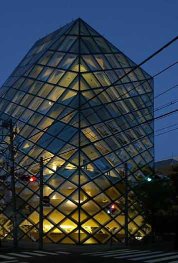 Prada Tokyo - Herzog & de Meuron