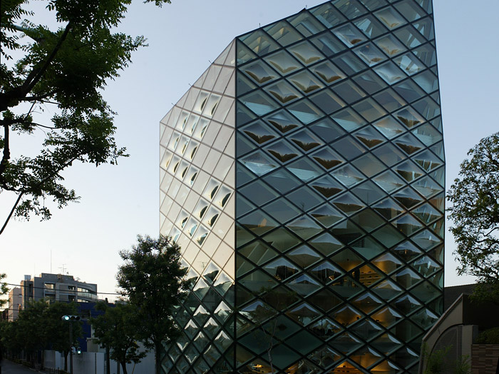 Prada Tokyo - Herzog &amp; de Meuron